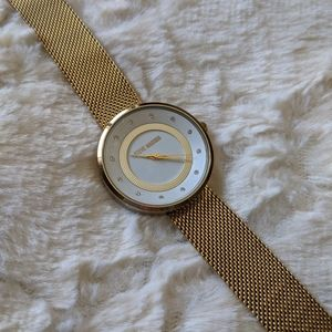 Steve Madden | gold analog watch